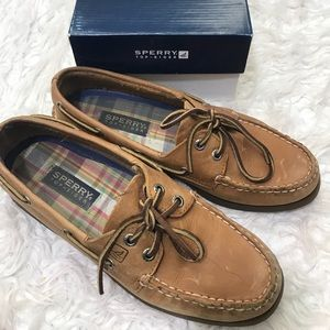 Top-sider Sperry's (boat shoes)